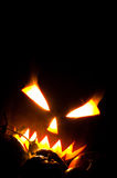 Jack-O-Laterne mit flammenden Augen Stockfotos