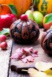 Jack-o-linterna en fondo de madera Concepto del otoño Víspera de Todos los Santos Imagenes de archivo
