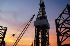 Jack in su piattaforma di produzione (impianto di perforazione della trivellazione petrolifera) a Twi Fotografie Stock Libere da Diritti