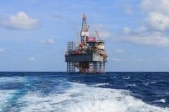 Jack Up Drilling Rig Over en mer la plate-forme de production en Th photos libres de droits
