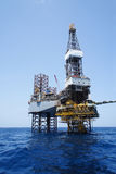Jack Up Drilling Rig and The Production Platform Royalty Free Stock Photos