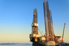 Jack up oil drilling rig Stock Photos