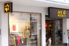 Jack Wolfskin Shop Logo a Francoforte fotografia stock