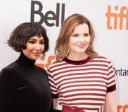 Jackie Cruz und Geena Davis an der Premiere von ` dieses ändert alles ` an TIFF2018 stockfotos