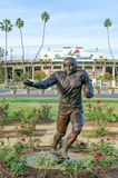 Jackie Robinson Memorial Statue em Rose Bowl foto de stock