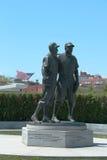 Jackie Robinson och Pee Wee Reese Statue i Brooklyn Arkivfoton