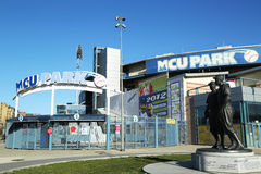 Jackie Robinson and  Pee Wee Reese Statue in Brooklyn in front of MCU ballpark Stock Image