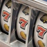 Jackpot três sete Fotografia de Stock Royalty Free