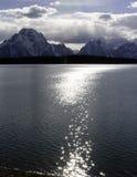 Jackson Lake storslagna Tetons, Wyoming arkivbild