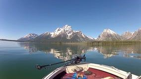 Jackson Lake und Tetons in Wyoming stock footage