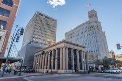 Jackson, MS/USA - circa febrero de 2016: Lamar Life Building en Jackson céntrica, Mississippi Imagenes de archivo