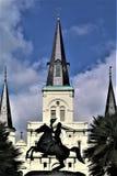 Jackson y catedral en Jackson Square fotos de archivo