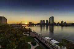 JACKSONVILLE FL, HOOFDst BRUG RIVERWALK DE STAD IN royalty-vrije stock afbeelding