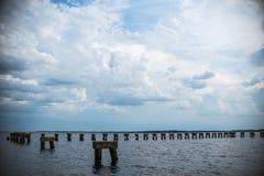 Jacksonville havlandskap och bruten pir royaltyfria foton