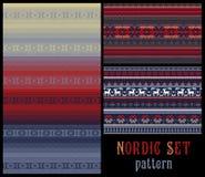 Teste padrão listrado multicolorido decorativo feito malha tradicional nórdico Ilustração Stock