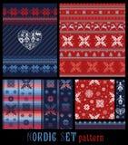 Teste padrão listrado multicolorido decorativo feito malha tradicional nórdico Ilustração do Vetor