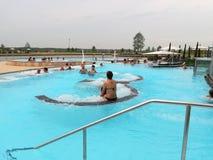 Jacuzzi termal de la piscina Foto de archivo libre de regalías