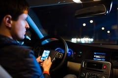Jechać samochód przy nocą obraz stock