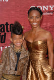 Jada Pinkett Smith, Jada Pinkett-Smith, Willow Smith lizenzfreies stockfoto