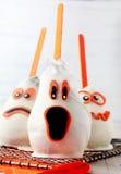 Jadalnego ducha Halloweenowy deser lub partyjne przysługi Zdjęcia Stock
