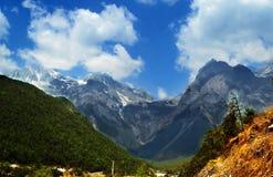 Jade-Drache-Schnee-Berg, Lijiang, Yunnan Lizenzfreie Stockfotos