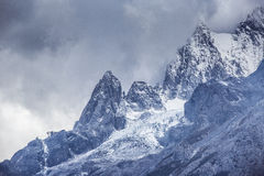 Jade Dragon Snow Mountain Photos stock
