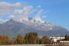 Jade Dragon Snow Mountain fotos de stock royalty free