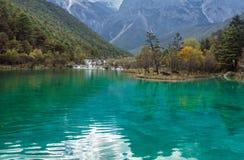Jade Dragon Snow Mountain. Emerald lake in Lijiang, Yunnan province, China Stock Photo