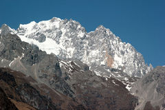 Jade Dragon Snow Mountain Yu Long Xue Shan perto de Lijiang no sou foto de stock