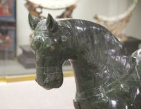 Jade Horse verde en objeto expuesto en la exhibición en un museo Imagen de archivo