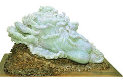 Jade que cinzela, artesanato chinês Imagens de Stock Royalty Free