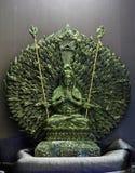 Jadeskulptur von Guanyin tausend Hände, Göttin der Gnade in Ch Stockbild