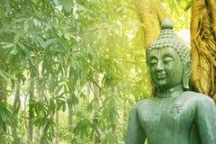 Jadestein-Buddha-stutue Stockbild