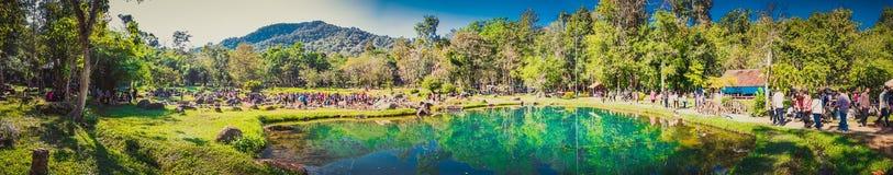 Jae Son Hot Springs och vattenfall Arkivbilder