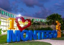Jag älskar det Montego Bay/I hjärtaMontego Bay tecknet på Sangster den internationella flygplatsen arkivfoto