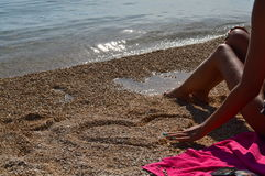 Jag älskar dig (hjärta i strand) Fotografering för Bildbyråer