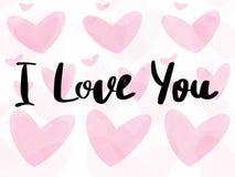Jag älskar dig text, skriftligt tecken för hand på rosa valentinhjärtor på isolerad vit bakgrund Lyckligt valentin kort för daghä royaltyfria foton