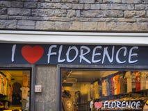 Jag älskar Florence shoppar i centret - FLORENCE/ITALIEN - SEPTEMBER 12, 2017 Fotografering för Bildbyråer