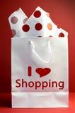 Jag älskar shoppingbegrepp - den röda polkaen pricker lodlinje. Arkivbild