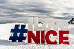 Jag älskar trevlig bokstäver i skidar semesterortisolaen 2000, Frankrike arkivfoto