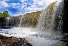 Jagala Wasserfall in Estland lizenzfreies stockbild