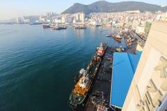 Jagalchi fiskeport bredvid den Jagalchi marknaden, Busan, Korea Arkivfoton