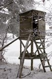 Jagd-Kontrollturm am Winter Stockbilder