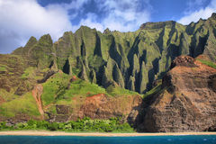 Jagged hills from catamaran at the dramatic Na Pali coast Royalty Free Stock Photos