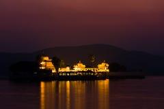Jagmandir Palast nachts Lizenzfreies Stockbild