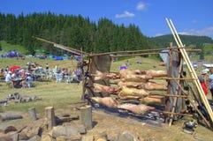 Jagnięcy grill przy Rozhen jarmarkiem, Bułgaria Obrazy Stock