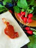 Jagnięcy stek zakrywający z czerwoną marynatą Obraz Stock