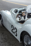 Jaguar 1949 e motorista imagens de stock royalty free