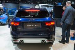 Jaguar F-PACE sur l'affichage Photo libre de droits