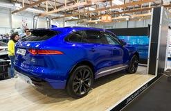 Jaguar-F-Schritt angezeigt an der 3. Ausgabe von MOTO-ZEIGUNG in Krakau lizenzfreie stockbilder